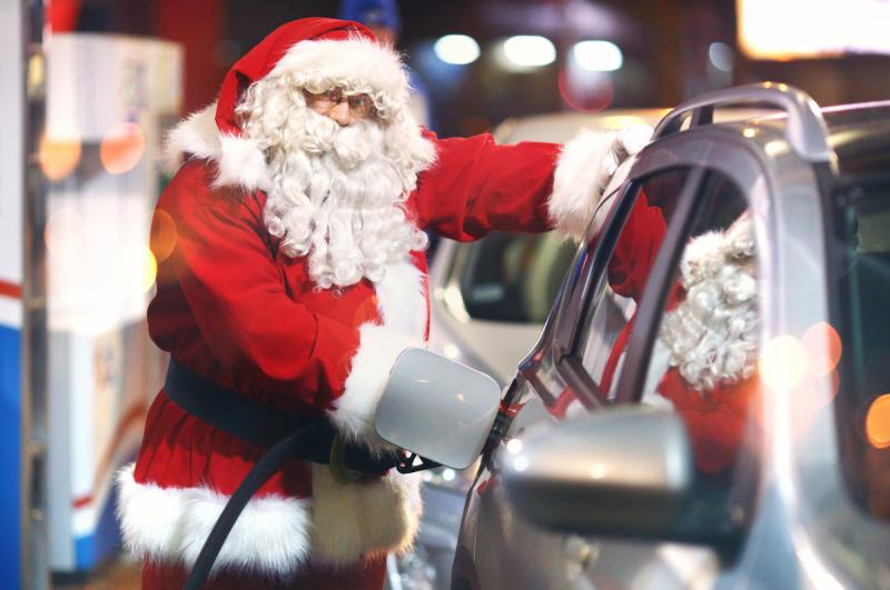 Santa-at-gas-pump