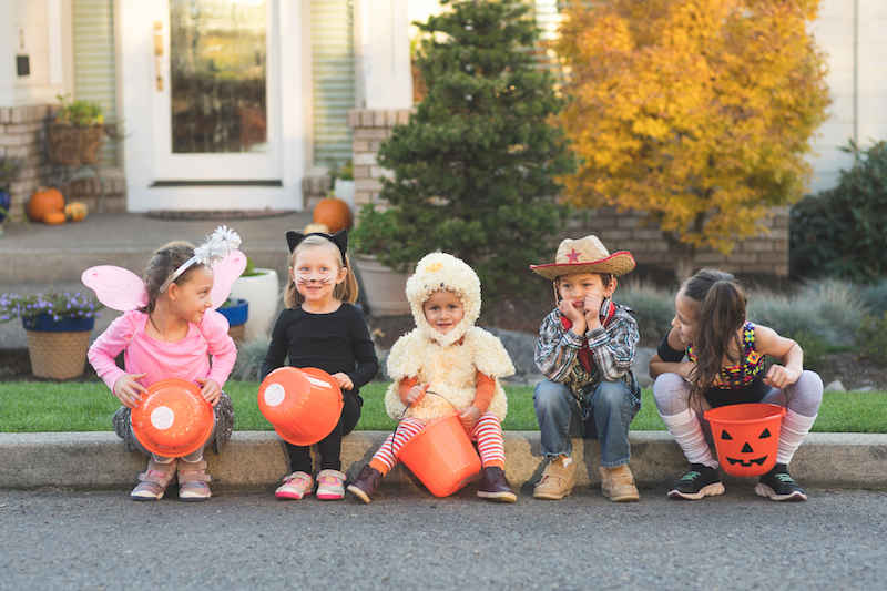 Kids-in-halloween-costumes